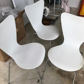 白い椅子3セット