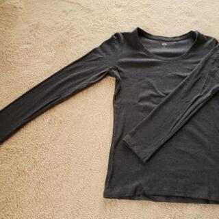 UNIQLO クルーネックTシャツの画像