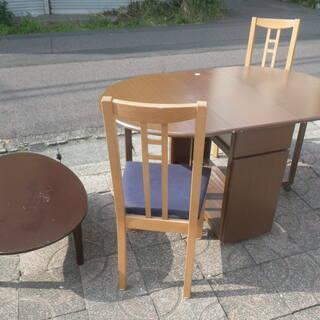 ■無料で差し上げます。■折りたたみダイニングテーブル チェア2脚...
