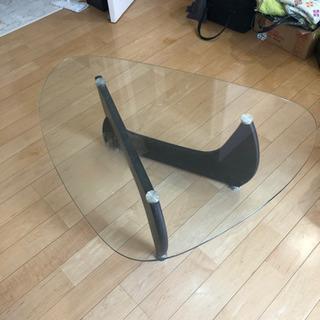 ガラステーブル インテリア、デザインテーブル