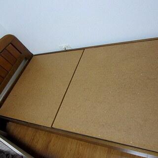 シングルベッドのフレーム(マットレス無)比較的美品:引取り限定