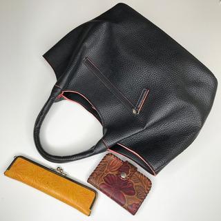 ハンドバッグ、がま口ペンケース(革製品)、キーケース(革製品)