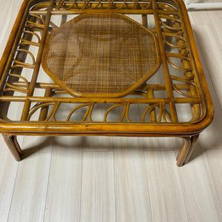 籐(ラタン)製ガラステーブル