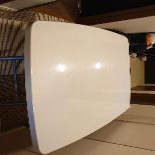 白色昇降型テーブル