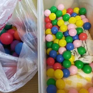 プラスチックボール200個以上の画像