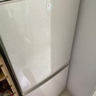 冷蔵庫137L