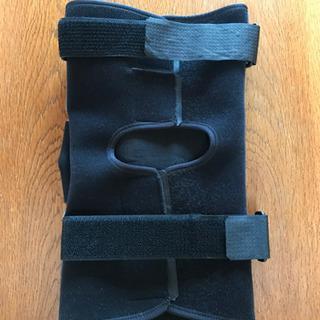 前十字靭帯損傷時に使用したサポーター売ります