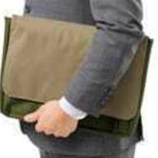【未使用品】スマートクラッチバッグ 青色 タブレットやPCにも