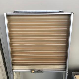 『相談中』になりました 古いけど良く冷えます コロナ 窓用エアコン 枠付 - 家電