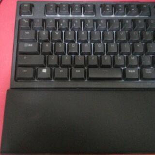 取引中Razer ornataゲーミングキーボード