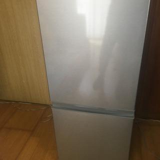 ほぼ新品同様の冷蔵庫  AQUA