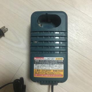 マキタ 電動工具充電器