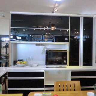 【中古美品】自社配送&設置可能 レンジボード、食器棚 2点セット...