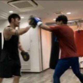 一回ごとに参加可能なボクシングスクールです。 − 大阪府