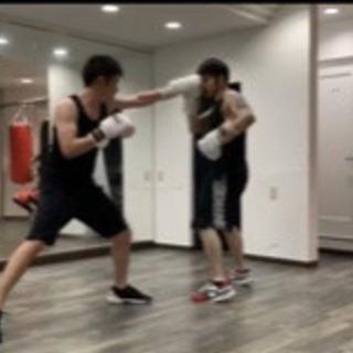 一回ごとに参加可能なボクシングスクールです。 - スポーツ