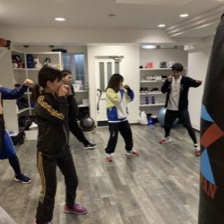 一回ごとに参加可能なボクシングスクールです。 - 大阪市