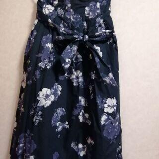 花柄濃紺スカート(Mサイズ)値下げ