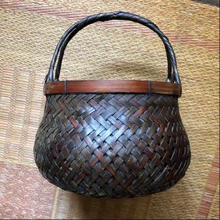炭入れ☆茶道具ですが炭を入れて部屋の隅に置くだけで消臭作用あり(^^)