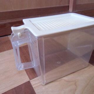 ●無料● 砂糖 塩 など の保管容器 差し上げます。*石川県*美...