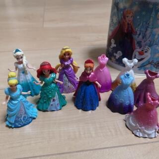 ディズニープリンセスの着せ替え人形