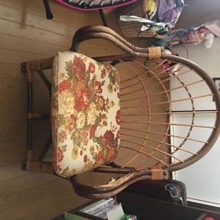 南国調の籐椅子
