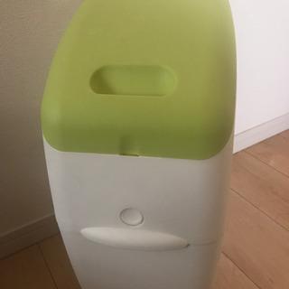 洗い済!おむつ用 ゴミ箱 アプリカ