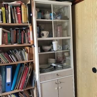 無料:食器棚