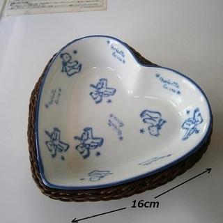 かご付きのハート型のお皿 陶器の小物入れ ベアー柄