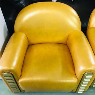 ゴールドのソファ 一人掛け