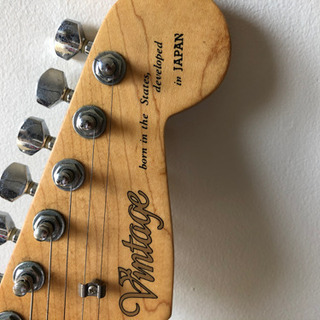 エレキギター vintage  チューナー、バンド付き。