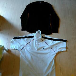 ナイキポロシャツとVネックセーター