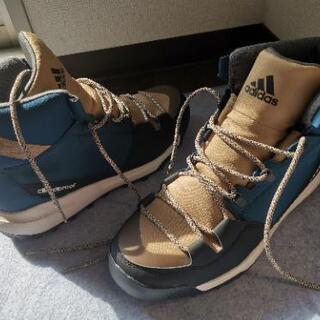 adidas雪山登り用靴climaproof