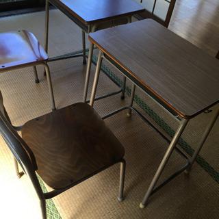 学校の机椅子