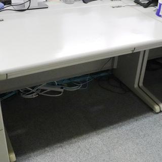 事務所移転の為、オフィス家具を無料でお譲りします。(デスク…
