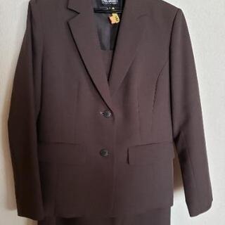 ブラウン系スカートスーツ11号