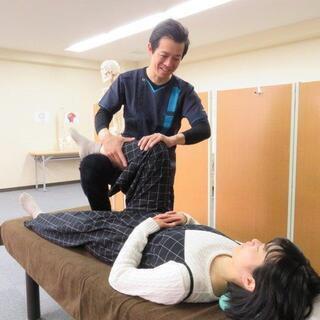 自宅で腰痛解消!専門施術でカラダリフレッシュ! − 福岡県