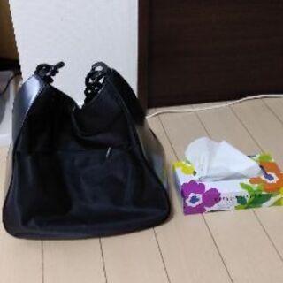 値下げしました。 プラスチックのチェーンが持ちやすい! 黒バッグ