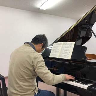 大人のピアノサークルでは、メキメキと皆さんが上達しています!