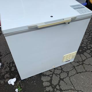 冷凍庫 216リットル 中古 古いけどバッチリ冷えますの画像