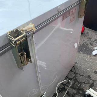 冷凍庫 216リットル 中古 古いけどバッチリ冷えます − 北海道