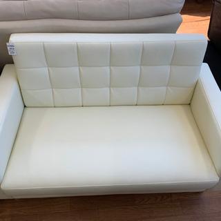 美品!!アーバン通商のホワイトver.!2人掛けソファです!!の画像