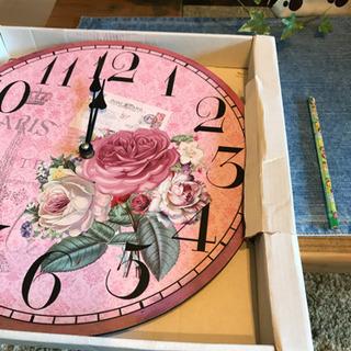花 ピンクの時計 かわいいです!お問い合わせ有り難うございました。