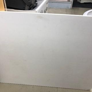 中古品 白のローテーブル