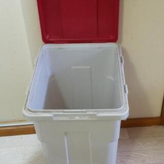 ゴミ箱(値下げ品)