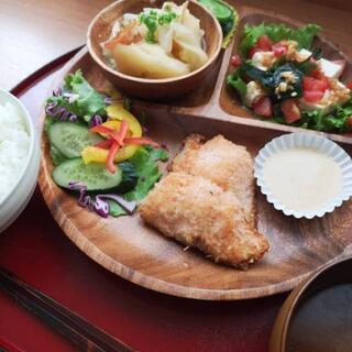 無農薬野菜、ハンドメイド品などを販売している食堂です! - 札幌市