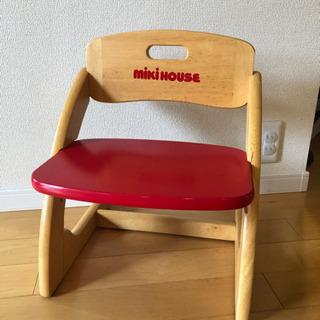 デスクチェアセット: ミキハウス子供用椅子、イケアLACKサイドテーブル