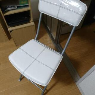 ★ニトリ折り畳み椅子★ほぼ未使用