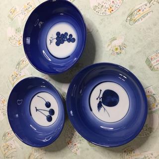 果物柄🍇🍒🍎のお鉢(全3枚)