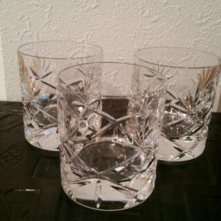 『無料です』とても素敵なグラス 三個