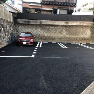 小田原城山2丁目 月極駐車場 空きあり 縦列2台分区画